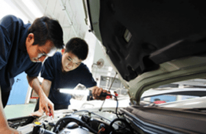 mechanics running engine diagnostics
